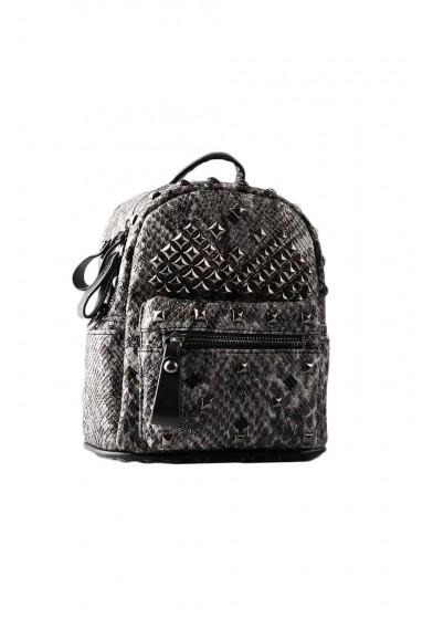Рюкзак с клёпками Vitacci