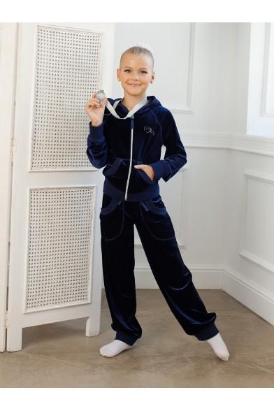 Модный спортивный костюм Charmante