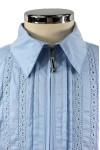 Блузка, декорированная кружевом