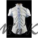 Блузка, украшенная розочками