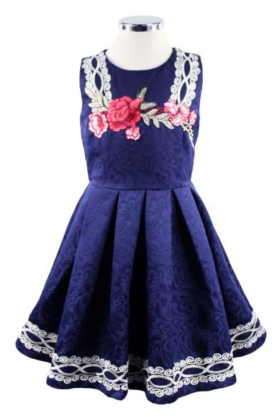 Платье с вышивкой и аппликацией - 1 Deloras 17407J
